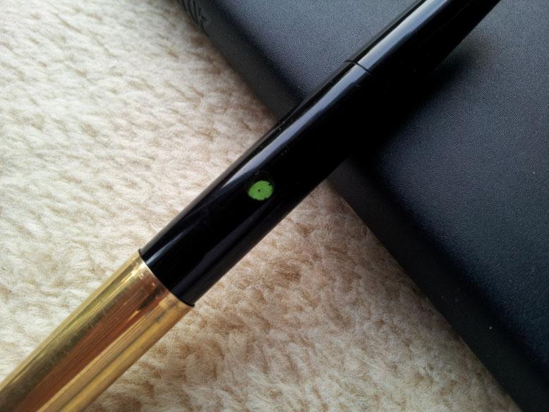 Grüne Bullaugen für den Tintenstand in der hinteren Corpus-Hälfte