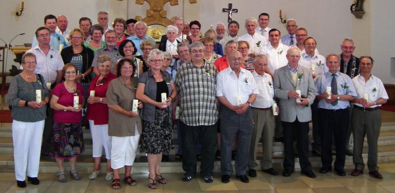 Gruppenfoto der Jubilare an der Jubelkommunion 05.07.2015