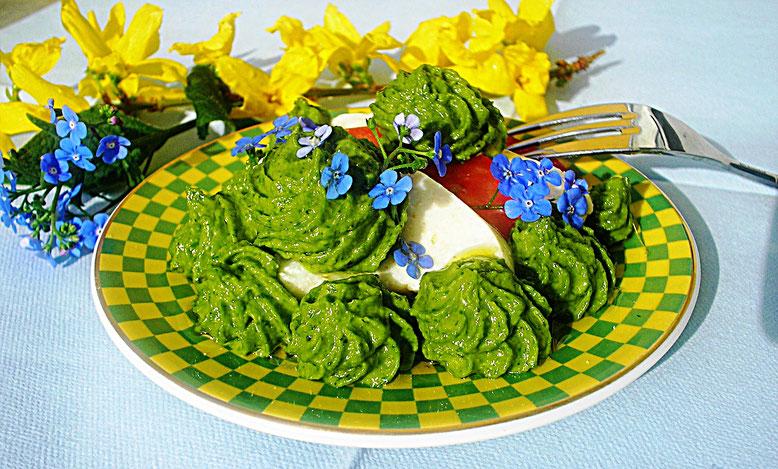 Salat mit Bärlauch- Aufstrich