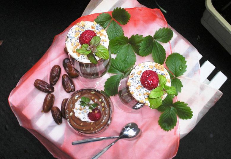 mousse au chocolat mit Himbeersahne