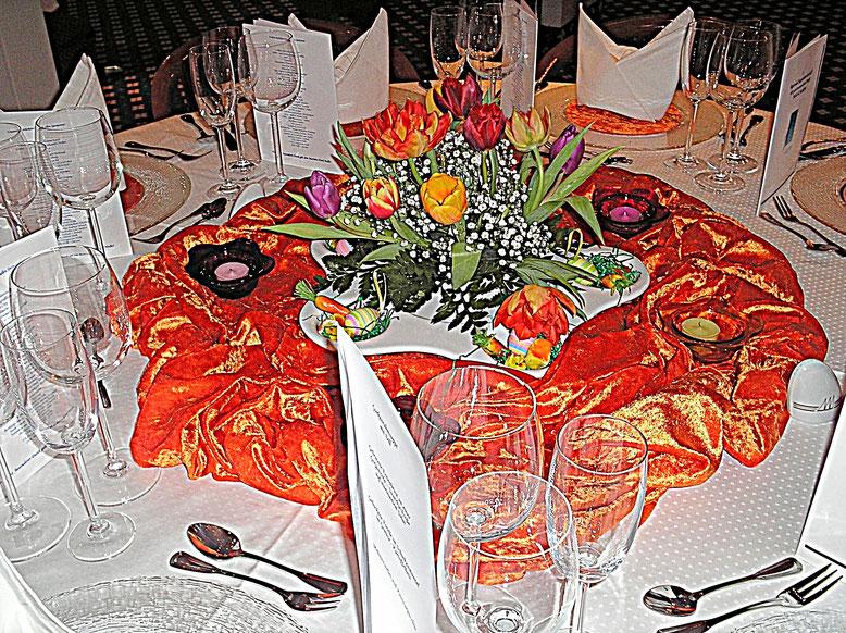 Tischdekorationen, Gläser, Bestecke, orange, Frühling, Ostern