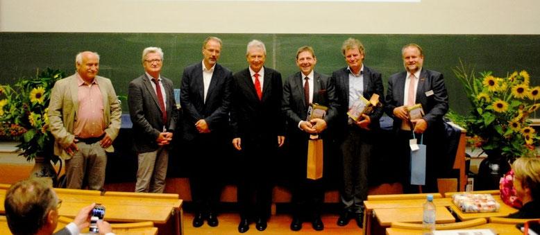 Festredner: Bild von links nach rechts: Herr Gerhard Baab, Prof. Peter Stehle, Prof. Ulrich Schurr, Prof. Georg Noga, Prof. Georg F. Backhaus, Dr. Andreas Mager, Herr Franz-Josef Schockemöhle