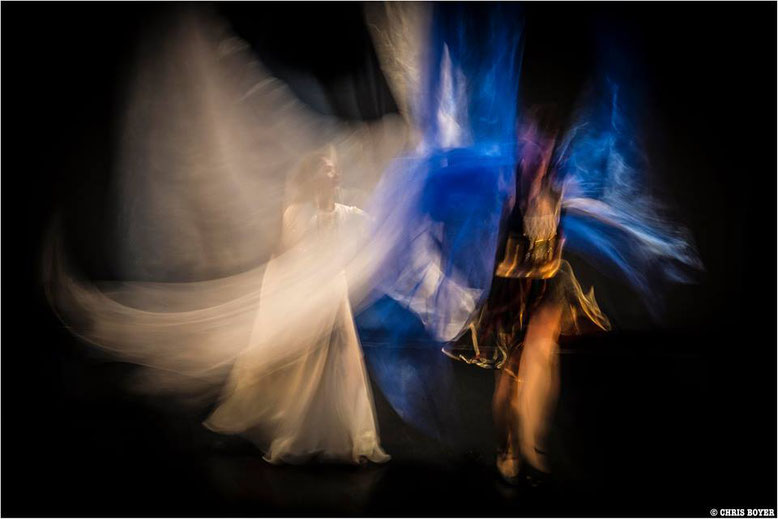 Photo Artists : Maitryee MAHATMA  &  Maya MIHNEVA - Copyright Chris BOYER