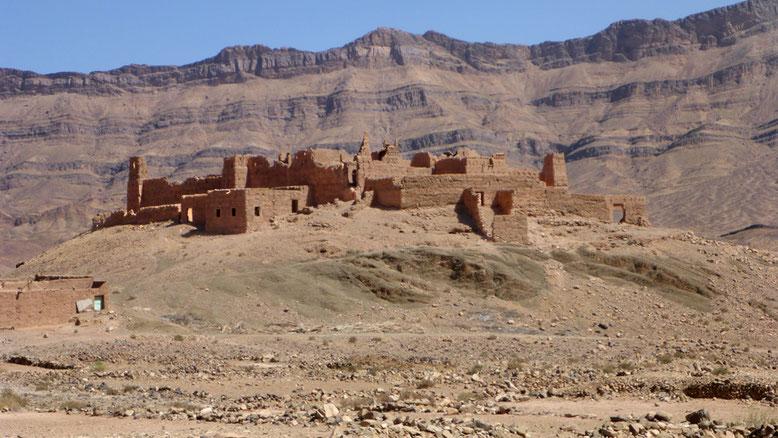 Kasbah bei El Had, ca. 35 km östlich Agdz an der N9.