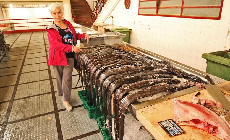 Schwarzer Degenfisch (Aphanopus carbo), Markthalle in Funchal.