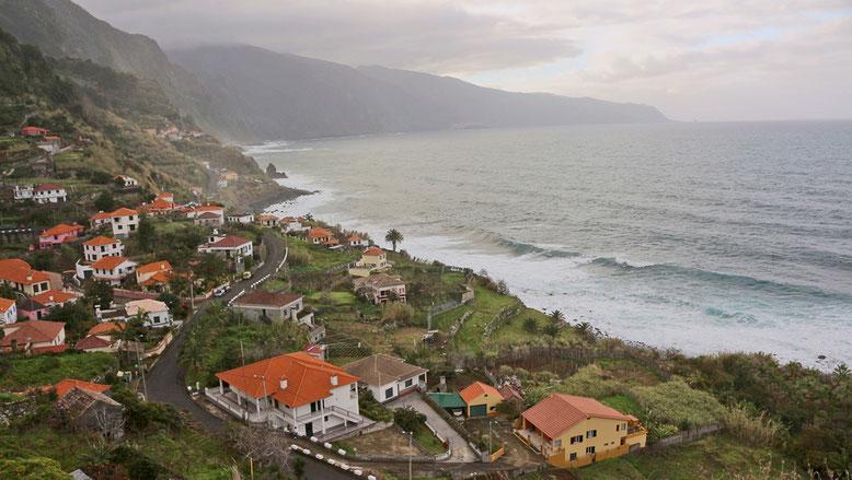 Küste zwischen São Vicente und Ponta Delgada.