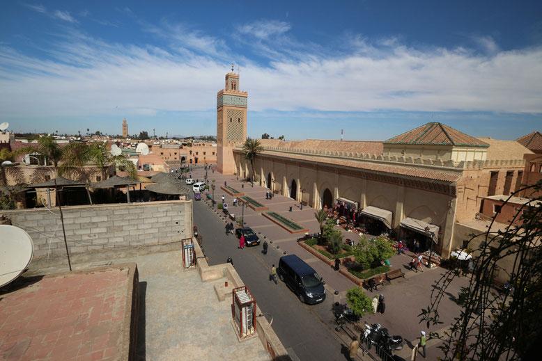 Benachbarte Moulay El yazid Moschee von der Dachterrasse des Cafes aus aufgenommen.