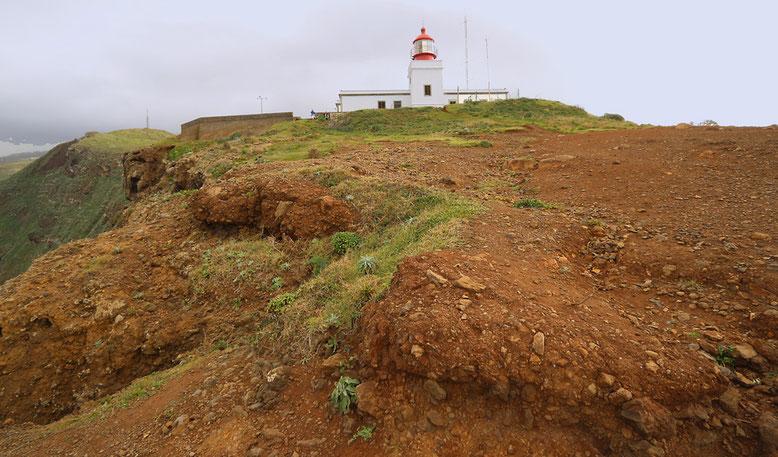 Leuchtturm am Kap bei Ponta do Pargo, im äußersten Westen von Madeira.