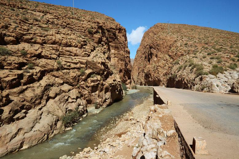 Einfahrt zum engsten Teil des Dades-Tals zwischen km 33 und 34.