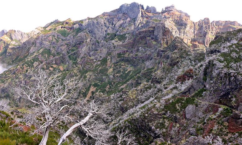 Berge südlich des Pico Ruivo.