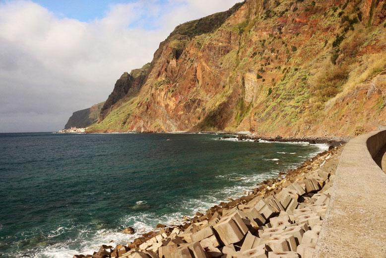 Küstenlinie nördlich Jardim do Mar.