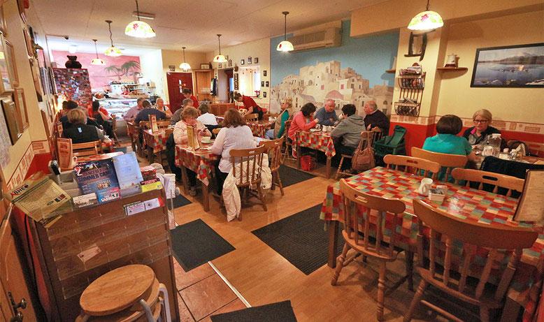 """Gemütliches Frühstück im """"The Coffee Vine"""" in Ballina."""