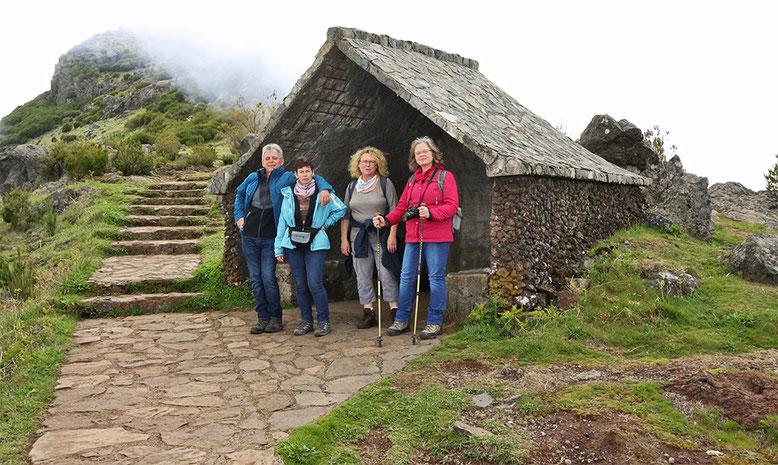 Schutzhütte auf dem Weg zum Pico Ruivo.