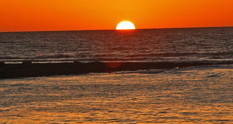 Sonnenuntergang am Strand von Yport.