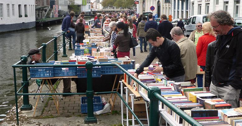 Büchermarkt am Leieufer.