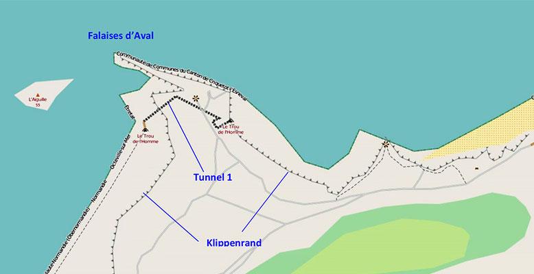 Die in dem vorhergehenden und dem nachfolgenden Kärtchen erkennbaren Felsvorsprünge rund um Étretat sind teilweise mit kurzen Tunneln versehen (Quelle: openstreetmap, Lizenz CC-BY-SA 2.0).