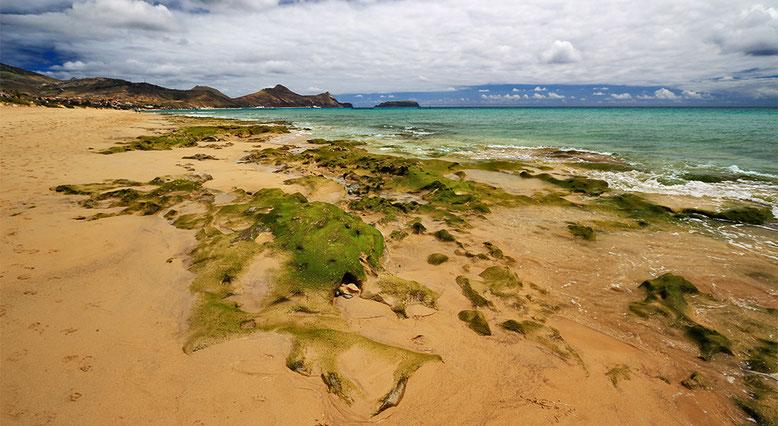 Kilometerlanger Sandstrand in Porto Santo.