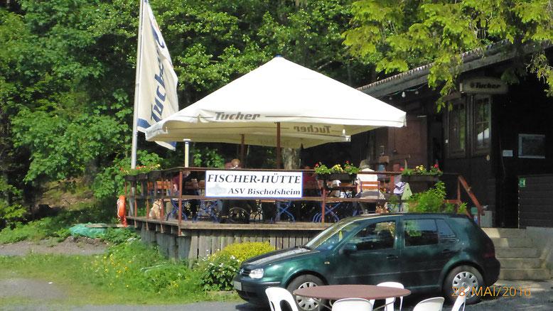Außenterrasse der Fischerhütte des ASV Bischofsheim.