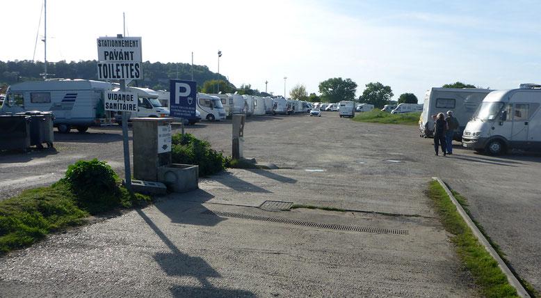 Stellplatz im Hafen von Honfleur.