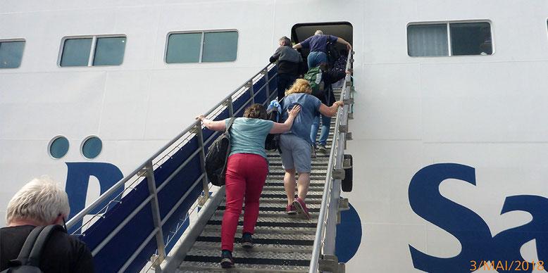 Einstieg in die Fähre von Porto Santo nach Madeira.