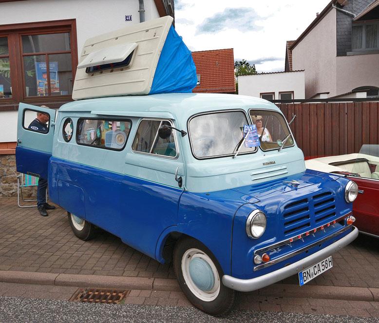 Bedford Wohnmobil von außen