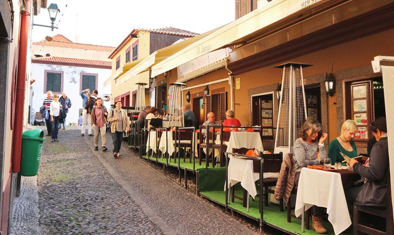 Restaurantaußenterrassen in Funchal.