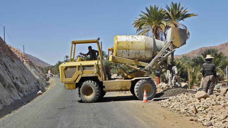 Bauarbeiten an der N9 bei Tansikhte.