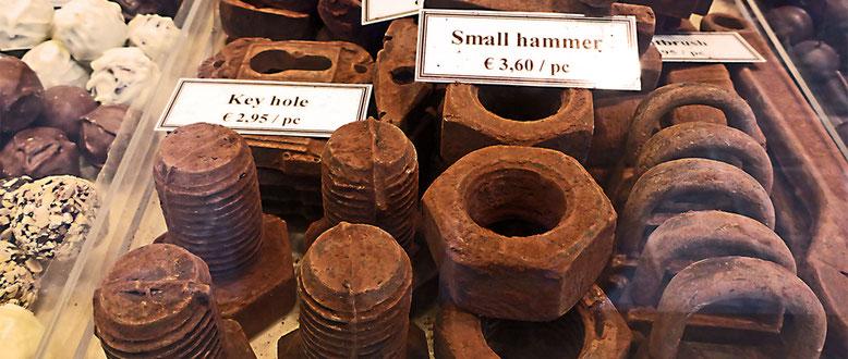 Schokoladenwerkzeug, kaum zu glauben.