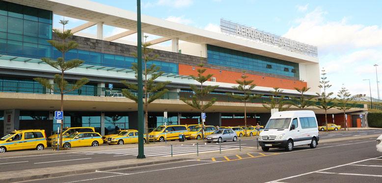 Ankunft am Flughafen Madeira.