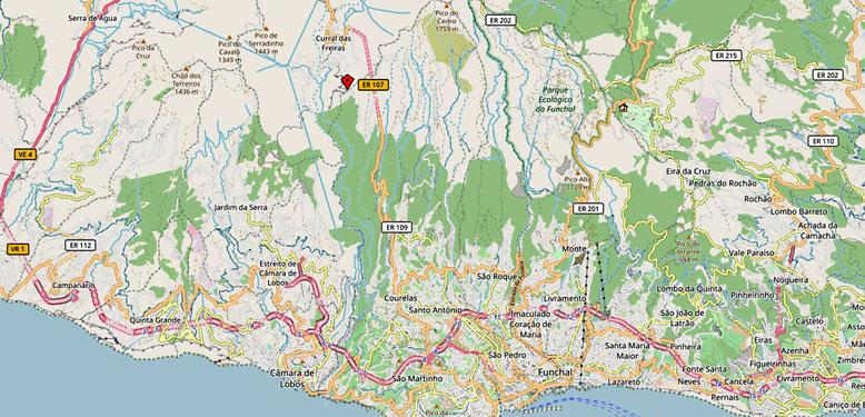 Von der Schnellstraße fährt man bei Sao Martinho auf die ER109 nach Norden ab und folgt dieser bis unmittelbar vor den Tunnel nach Curral das Freiras (Quelle: openstreetmap Lizenz CC-BY-SA 2.0).