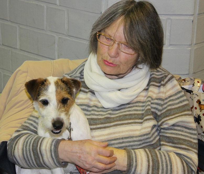 Stella mit meiner Mutter bei Ihrer ersten Ausstellung