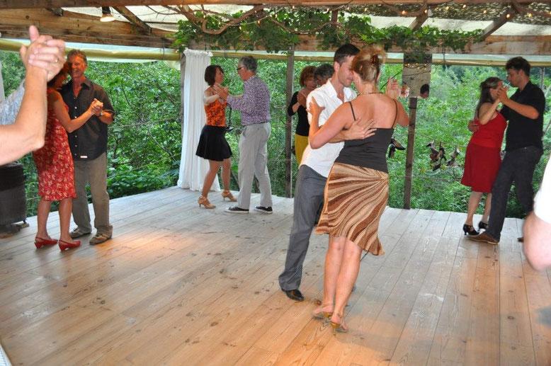 """Unterricht mit Jeroen Vervoort beim Tangourlaub in """"La Frayssinette"""", Albi/Südfrankreich, Sommer 2012"""