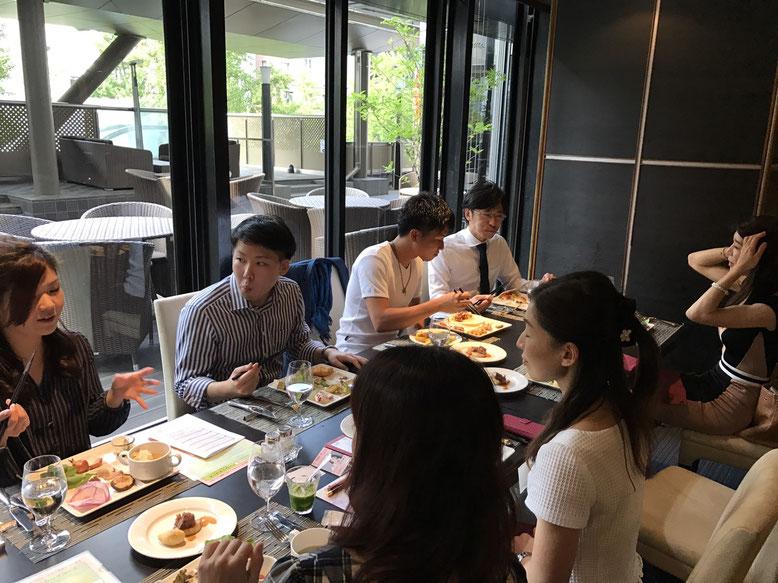 ※「クロスホテル大阪 3階レストラン グラマラスクロス」での模様です