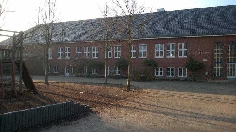 Die Nachnutzung der ehemaligen Grundschule ist ein Thema beim Kommunalpolitischen Spaziergang.