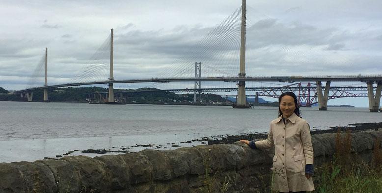 写真6 フォース湾に架かる3つのフォース橋