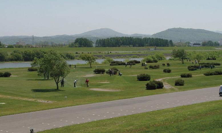 徳富川と石狩川の合流付近の石狩徳富河川緑地パークゴルフ場(画像提供:新十津川町)