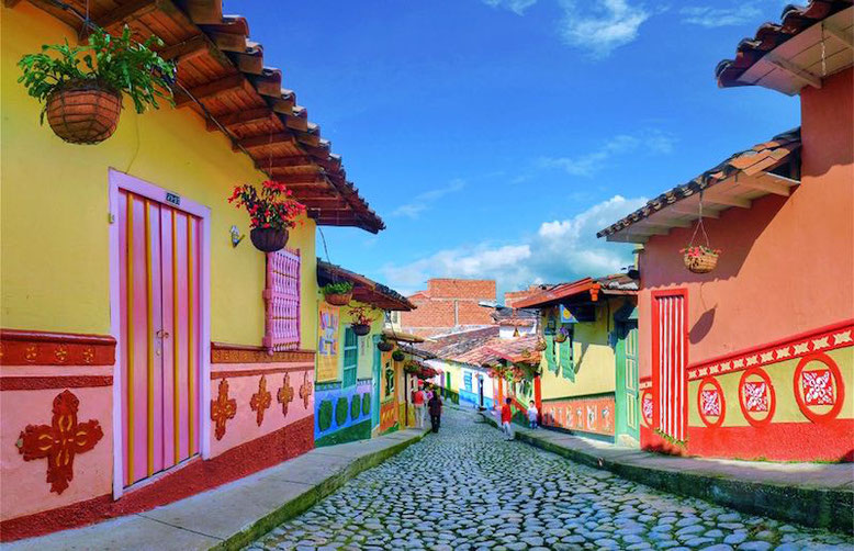 Photo of Guatapé, Colombia by Aguledo