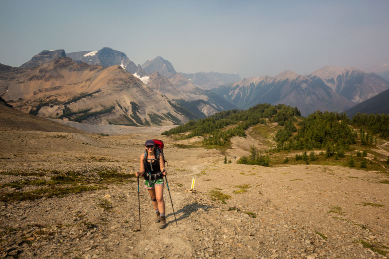 Approaching Numa Pass. Guide to the Rockwall Trail.