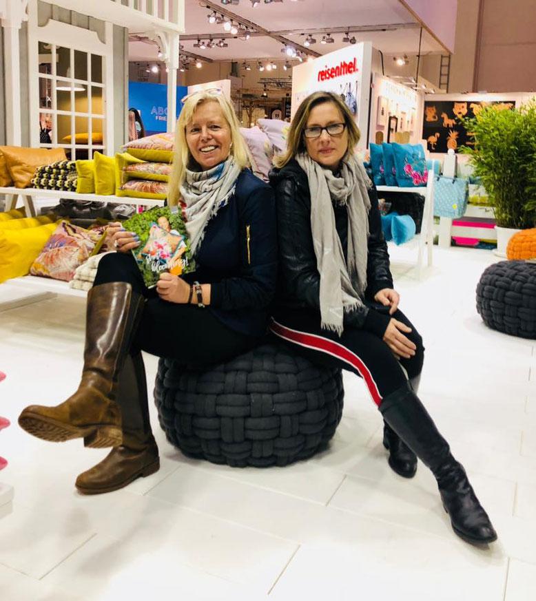 Messestand Firma PAD, Kirsten zusammen mit NATUNA Unikates Kunsthandwerk