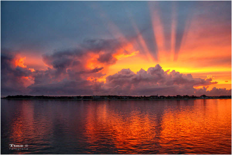 Sonnenuntergang über Föhr