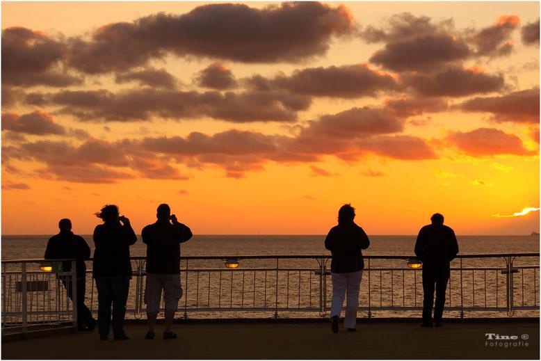 Sonnenuntergang auf hocher see