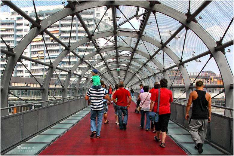 Gläserne Drehbrücke Bremerhaven
