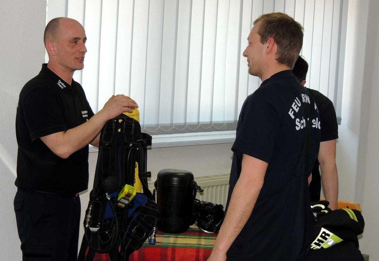 Bei der Atemschutzausbildung konnten alle gestellten Fragen von den Kameraden beantwortet werden.