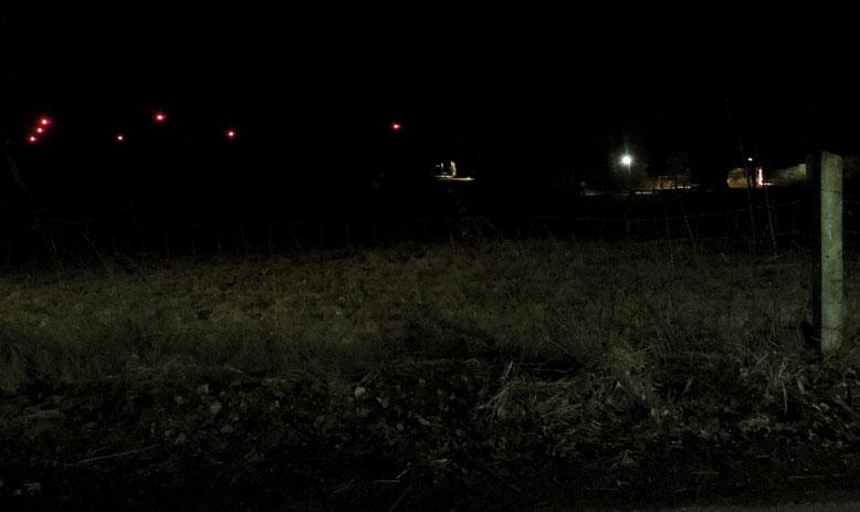 Dunkel wars, die Windmühlen leuchten helle, als ein Mensch ins Straucheln kam......... Blick vom Brockenblick in Richtung Tränke