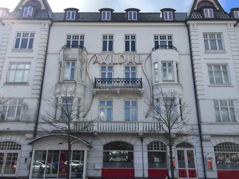 Schöne Architektur, alles mittelmäßig auf dem neuesten Stand, toller Service: Das Hotel Saxildhus