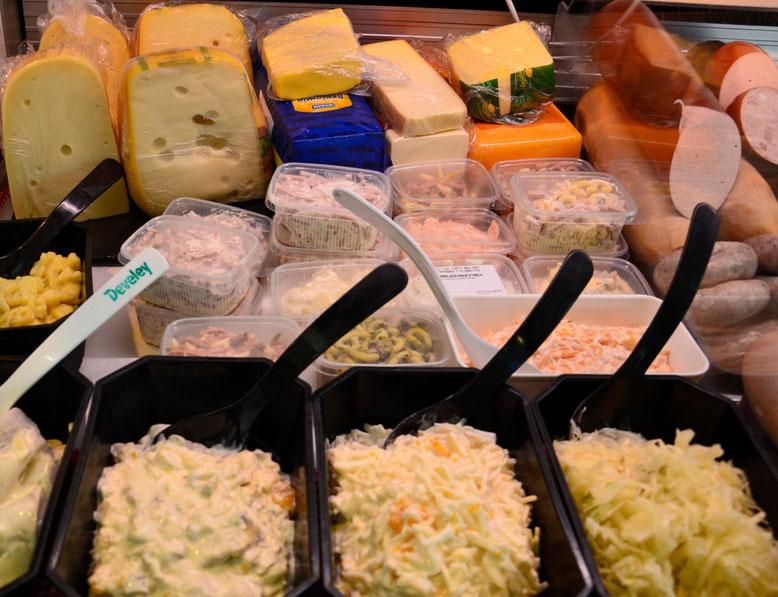 Käse & Salattheke
