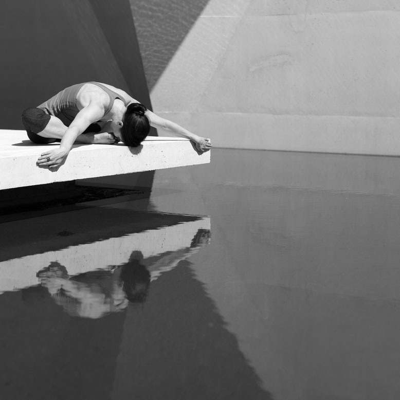 Yoga au bord de l'eau