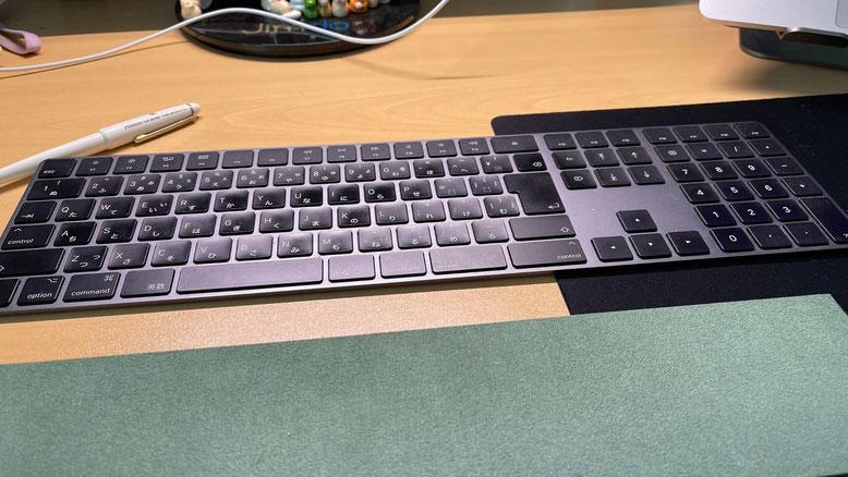 Magic Keyboard(テンキー付き)- 日本語(JIS) - スペースグレイ