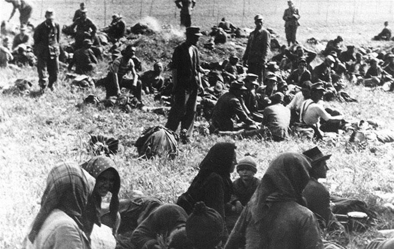 U strahu od odmazde sa voskom su se povlačili i žene,djeca ,starci i svi su ubijeni ili na Bleburgu ili na maršu smrti  od Bleiburga do Skopja