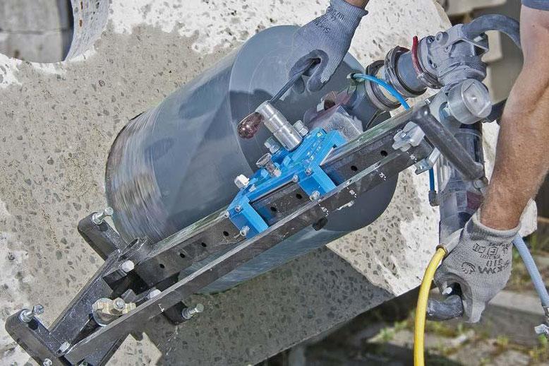 boring in gewapend beton met een prodito diagrid dikwandige kernboor of diamantboor diameter 350 met een hoog frequente diamantboormachine